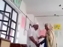 A 70 yrs cur' sex with 30 yrs bold lady in classroom.