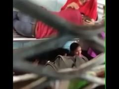 desi girl smooches his girlfriend in train